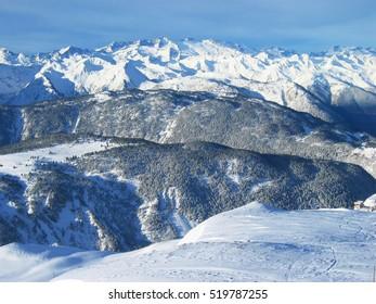 Massif of La Maladeta. Pico Aneto. Pyrenees. Spain