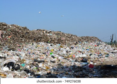 Massive garbage mountains waiting to be destroyed, environmental problems, waste management,Junk mountains