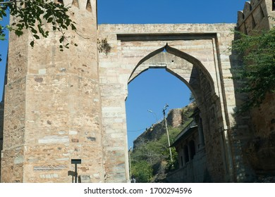 Massive gates of  the ancient fort on the steep road  to the fortified city of Chittorgarh, Rajasthan, India