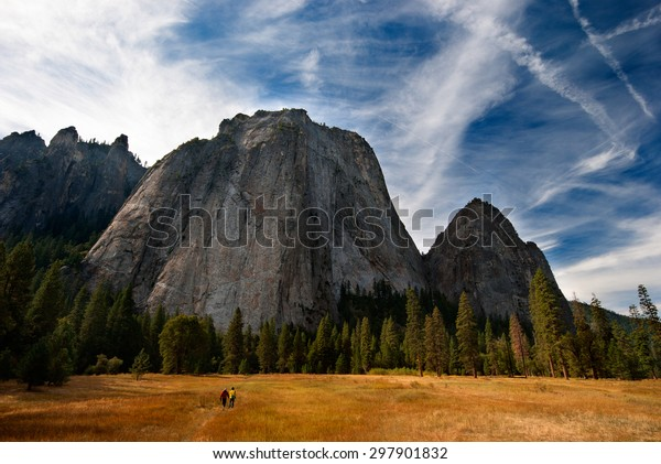 Massive rock and tiny people in Yosemite National Park