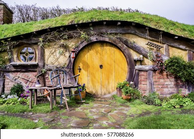 MATAMATA, NEW ZEALAND - AUGUST 27, 2016: A hobbit hole in the village of Hobbiton. Hobbiton is the fictional village created for the movie Lord of the Rings