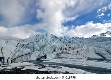 Matanuska glacier lake wide-angle