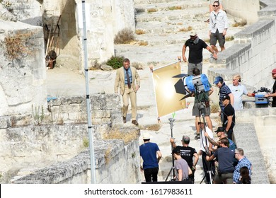 Matera (Italy) 11 september 2019 - Daniel Craig (James Bond) on  No Time To Die movie set in the Sassi district of the ancient town of Matera. The latest movie of agent 007