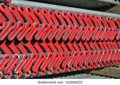 material wedge binding type scaffold