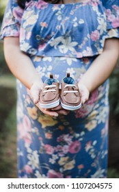 Maternity Session with Baby Shoes
