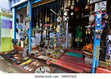 MATTANCHERRY, FORT KOCHI, KERALA, INDIA, OCTOBER 31, 2017: The Jew Town, a narrow street between Mattancherry Palace and the Synagogue, famous for its antique shops and colonial buildings.