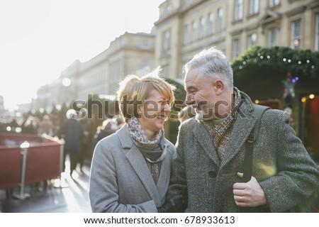 Tina la nympho bouffe la bite de son mari au réveil