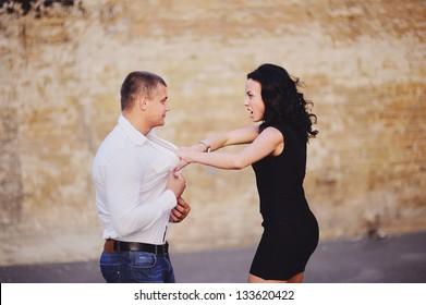 mature woman attacks her boyfriend, Negativ Relationships