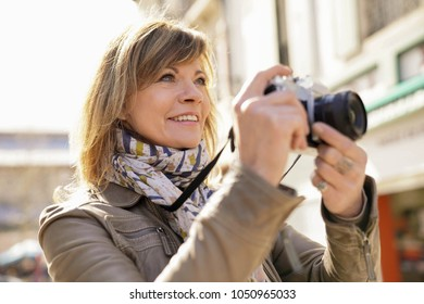 Photographer Taking Picture Images Stock Photos Vectors Shutterstock Перевод контекст taking photos c английский на русский от reverso context: https www shutterstock com image photo mature woman photographer taking pictures town 1050965033
