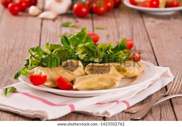 maultaschen-swabian-filled-pasta-ravioli