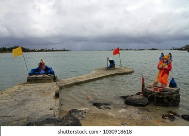 Mauritius, North Mauritius, Cap Maleureux, Hindu shrine, Bassin Paquet