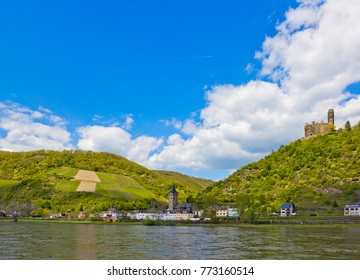 Maus Castle above village of Wellmich (part of Sankt Goarshausen) in Rhineland-Palatinate, Germany