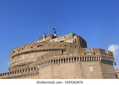 Mausoleum of Hadrian Images, Stock Photos & Vectors