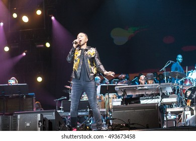 Maxwell attended the Many Rivers To Cross Festival in Atlanta Georgia on October 1 & 2, 2016 at the Bouckaert Farms