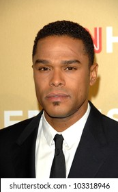 """Maxwell at the """"CNN Heroes: An All-Star Tribute,"""" Kodak Theater, Hollywood, CA. 11-21-09"""