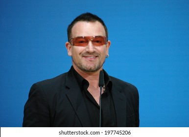 """MAY 14, 2007 - BERLIN: Bono (aka: Paul David Hewson), singer of the band """"U2"""" in the Willy Brandt House of the SPD, Berlin."""