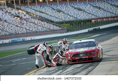 May 17, 2019 - Concord, North Carolina, USA: Ryan Blaney (12) and crew takes to the track to perform a pitstop to qualify for the Monster Energy All-Star Race at Charlotte Motor Speedway