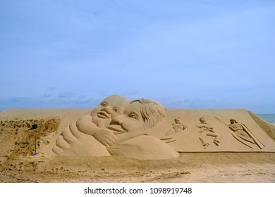 May 19,2019, Busan Haeundae Beach: A sand festival was held at Haeundae Beach, and many people are watching sand sculptures and playing in sand dunes.