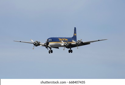 May 26th, 2017. Everts Air Cargo's 1953 vintage DC6 still earning its keep as it approaches runway 15 at Anchorage