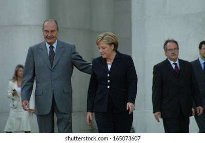 MAY 3, 2007 - BERLIN: Jacques Chirac, Angela Merkel during a reception with military honours in the Chanclery in Berlin.