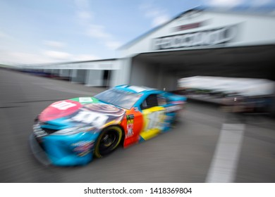 May 31, 2019 - Long Pond, Pennsylvania, USA: Kyle Busch (18) practices for the Pocono 400 at Pocono Raceway in Long Pond, Pennsylvania.