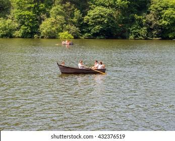 May 5th 2016, Rudyard, Leek, Shropshire, UK. Visitors enjoying the beautiful summer weather on Rudyard Lake, Leek, Shropshire, UK