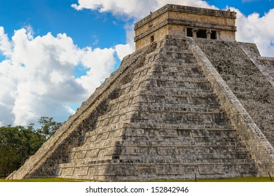 Mayan Pyramid in Chichen Itza, a large pre-Columbian city built by the Maya civilization. Mexico