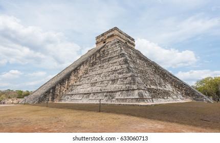 Mayan pyramid of Kukulkan, also known as El Castillo in Chichen Itza, Mexico