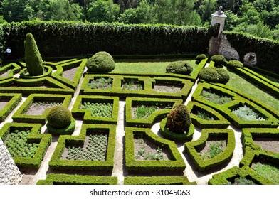 Maze garden in polish Castle Pieskowa Skala (Pieskowa Rock)