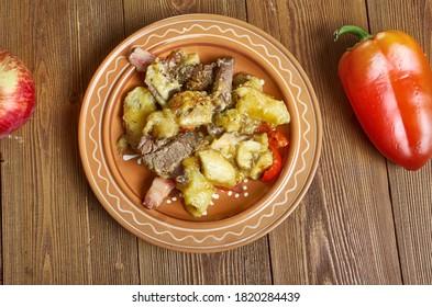 Mchemsho - Tansanianische Küche, Bananen, Plantagen und Fleisch.