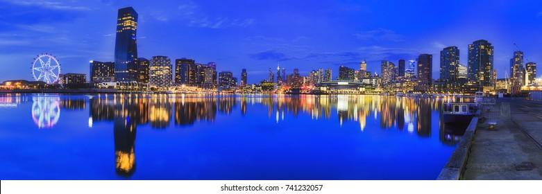 ME Docklands Blue Dark Panorama