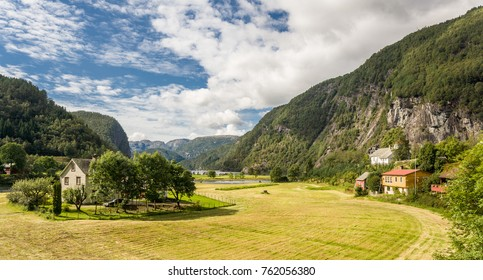 Meadows and mountains at Bolstadoyri (Voss) at the K15, Norway