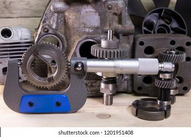 measurement  parameters of gears, details by  mechanical micrometer