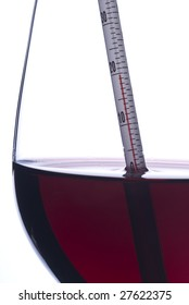 Measuring Red Wine Temperature with a Wine Thermometer (Celsius)