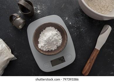 Measuring white rice flour