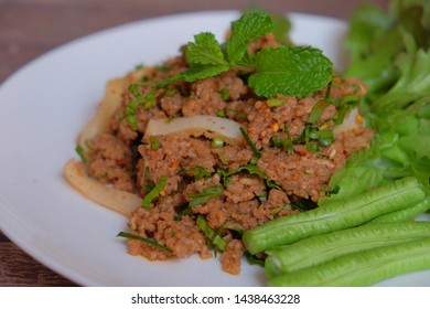 Thai​ Spicy​ meat beef salad