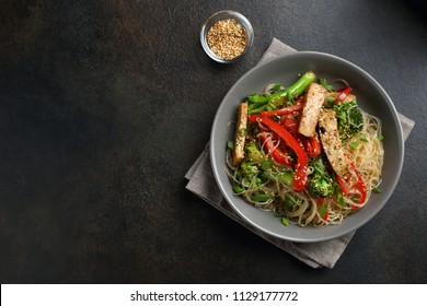 Meat noodles with wok vegetables