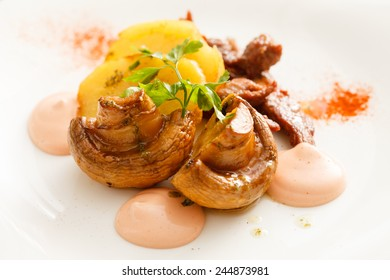 meat with potatoes and mushrooms