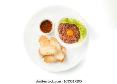 Meat tartare with croutons and quail egg