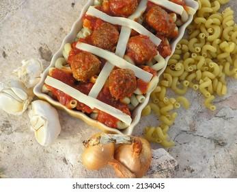 Meatballs and macaroni casserole