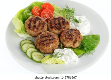 Meatballs with salad and herb quark