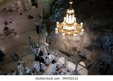 MECCA, SAUDI ARABIA - 1 DECEMBER 2016 : Muslim pilgrims perform saei (brisk walking) between Safa and Marwah mount on DEC 1, 2016 in Mecca. Muslim pilgrims perform 7 rounds between both mount.