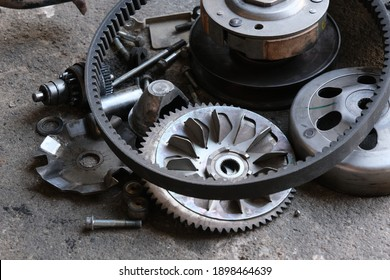 Mechanic to repair or check the motorcycle belt system, the engine belt system of the engine