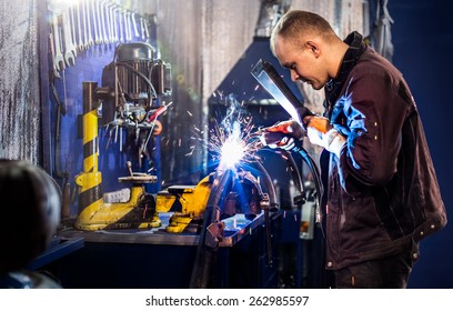 Mechanical carefully welding the tube by  electric arc
