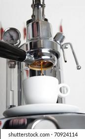 mechanical espresso-machine