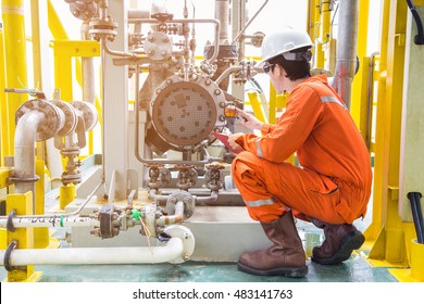 Mechanical inspector inspection oil pump centrifugal type. Offshore oil and gas industry maintenance activities.