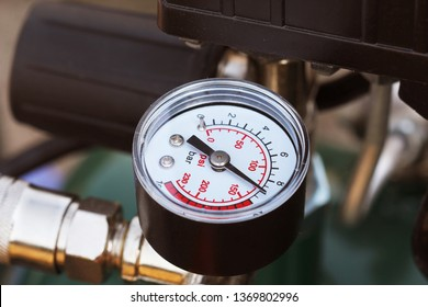 Mechanical pressure gauges. Traditional instruments for measuring pressure.