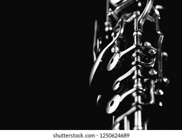 The mechanism of the oboe instrument