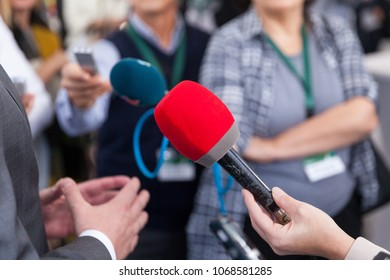 Media interview. Public relations - PR. News conference.