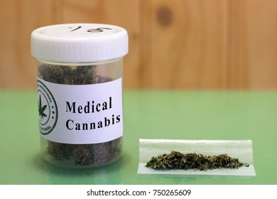 Medical cannabis and roll a joint